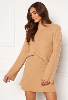 Moa Mattsson X Bubbleroom Knitted cropped sweater Camel Bubbleroom.fi