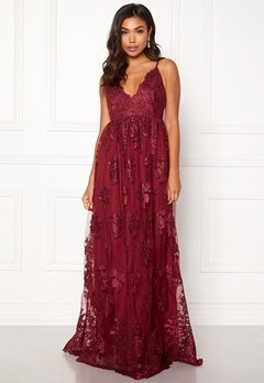 Moments New York Gardenia Lace Gown Dark wine-red Bubbleroom.fi