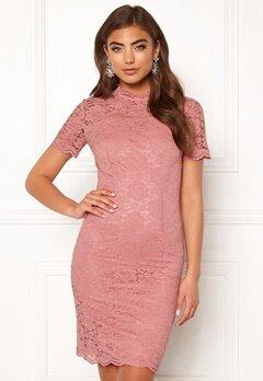Moments New York Kassia Lace Dress Old rose Bubbleroom.fi