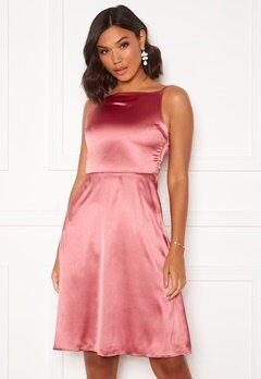 Moments New York Laylani Satin Dress Pink Bubbleroom.fi