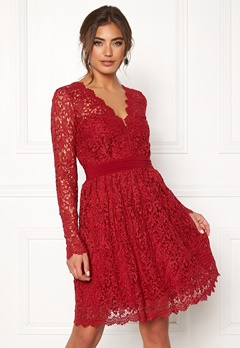 Moments New York Leyla Crochet Dress Vinröd Bubbleroom.fi
