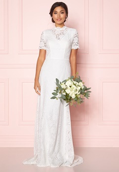 Moments New York Magnolia Wedding Gown Offwhite Bubbleroom.fi