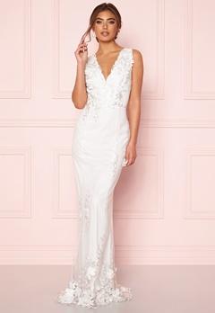 Moments New York Oleana Wedding Gown  Bubbleroom.fi