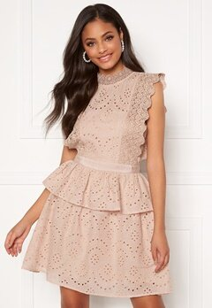 Moments New York Olivia Crochet Dress Light pink Bubbleroom.fi