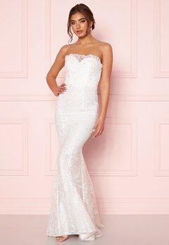 Moments New York Petal Wedding Gown  Bubbleroom.fi