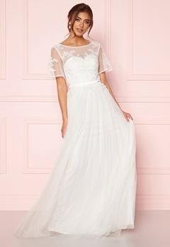 Moments New York Rosalie Wedding Gown  Bubbleroom.fi