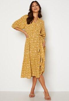 OBJECT Sophia 2/4 Dress Honey Mustard AOP Bubbleroom.fi