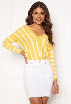 ONLY Aya 7/8 V-Neck Pullover Lemon Drop Bubbleroom.fi