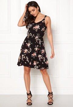 ONLY Karmen S/L Short Dress Black Flower Print Bubbleroom.fi