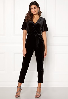 ONLY Luxe Velvet SS Jumpsuit Black Bubbleroom.fi
