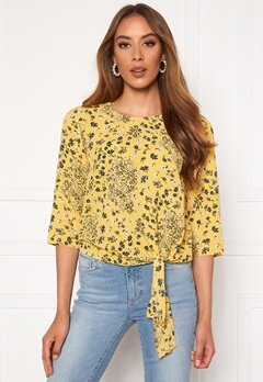 ONLY Nova Lux 3/4 Knot Top Misted Yellow Bubbleroom.fi