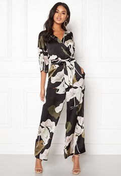 OBJECT Pantheon 3/4 Jumpsuit Black/Big Floral Bubbleroom.fi
