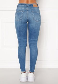 Pieces Delly Cropped Jeans Light blue denim Bubbleroom.fi