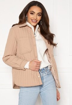 Pieces Gretzel Quilted Overshirt Warm Taupe bubbleroom.fi
