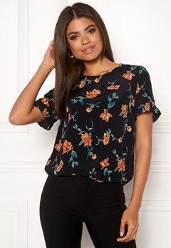 Pieces Jilly SS Top IF Black-Mamalade Bubbleroom.fi