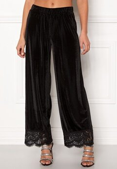 Pieces Kera MW Cropped Pants Black Bubbleroom.fi