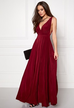 Goddiva Pleated Oscar Dress Viininpunainen Bubbleroom.fi