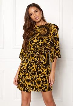 AX Paris Printed Flared Dress Black Bubbleroom.fi