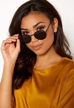 Quay Australia Crazy Love Sunglasses Black/Smoke Lens Bubbleroom.fi