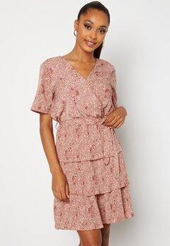 Sisters Point Nekko Dress 531 D.blush/ Cream Bubbleroom.fi