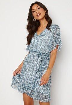 Sisters Point New Greto Dress 116 Cream/Blue Bubbleroom.fi