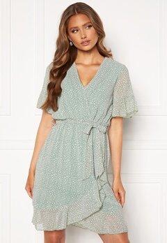 Sisters Point New Greto Dress 301 L.Green/Leo<br>      Bubbleroom.fi