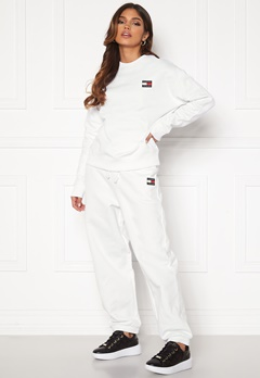 TOMMY JEANS Relaxed Badge Sweatpant White Bubbleroom.fi