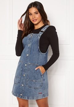 TOMMY JEANS Short Dungaree Snap Dress 1A5 Marcia Mid Blue Bubbleroom.fi