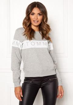 TOMMY JEANS Sweatshirt 000 Light Grey Bubbleroom.fi