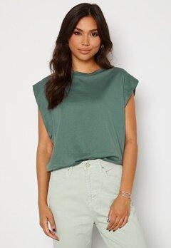 Trendyol Clara T-shirt Green bubbleroom.fi