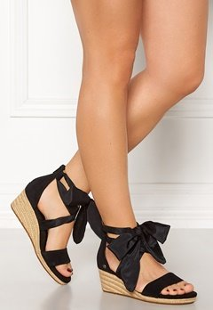 UGG Australia Trina Wedges Black Bubbleroom.fi