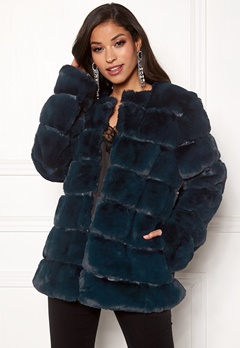 Urban Mist Plush Panelled Faux Fur Navy Bubbleroom.fi