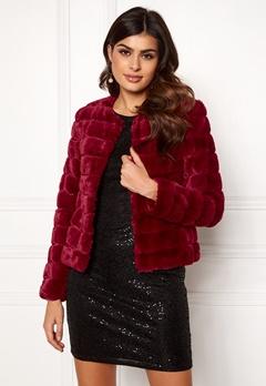 VERO MODA Avenue Faux Fur Short Rumba Red Bubbleroom.fi