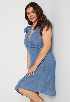 Vero Moda Curve Naena SL On Knee Dress Light Blue Denim Bubbleroom.fi