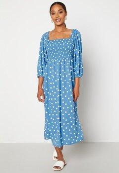 VERO MODA Ginna 3/4 Smock Square Dress Azure Blue AOP White Bubbleroom.fi