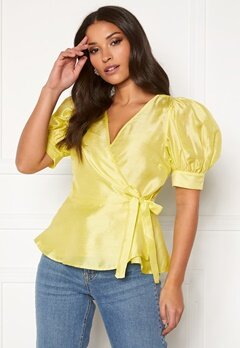 VERO MODA Loui 2/2 Wrap Top Sunny Lime Bubbleroom.fi