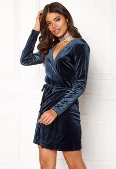 VILA Velvetine Short Dress Total Eclipse Bubbleroom.fi