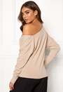 Natta shoulder top