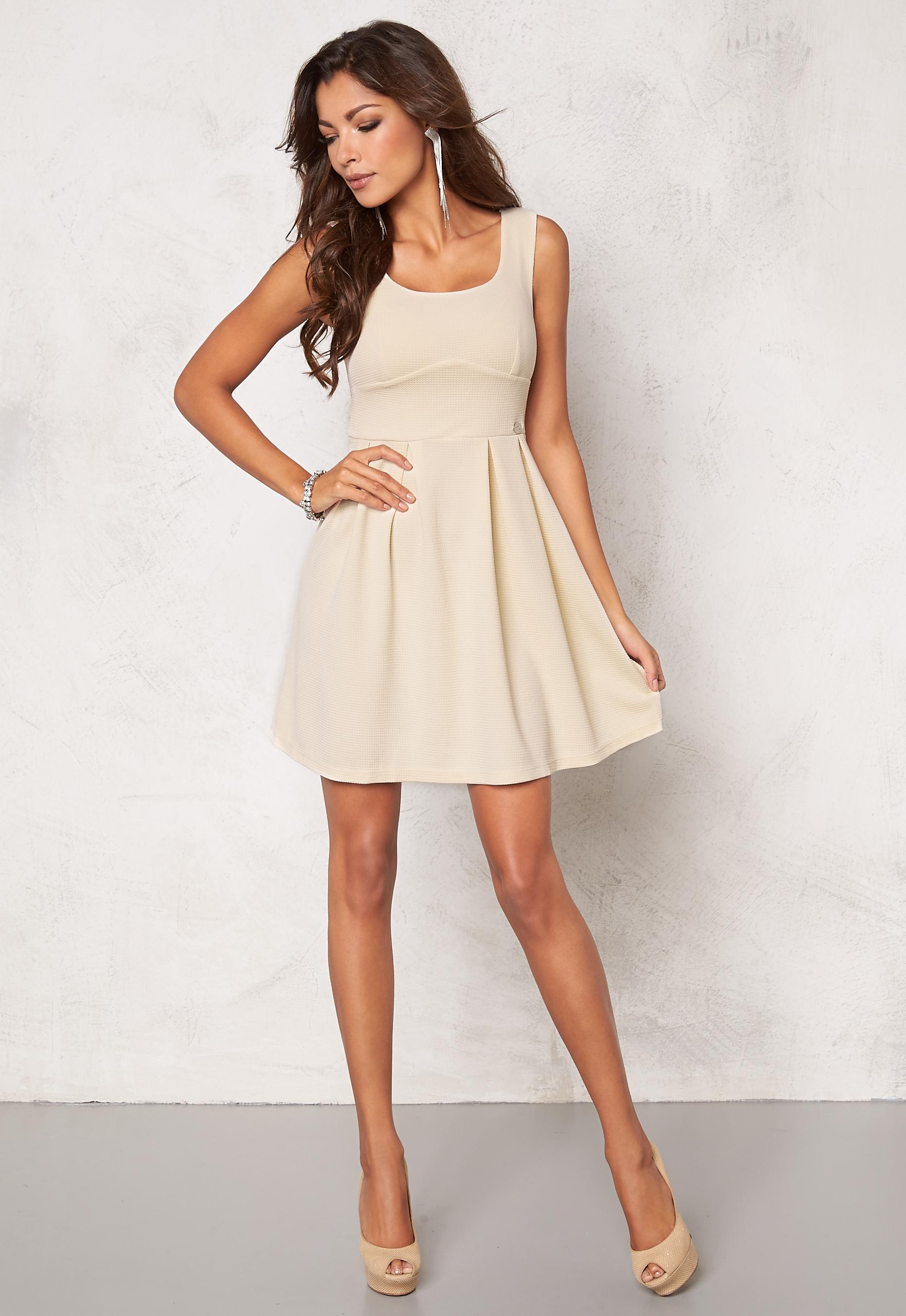 Chiara Forthi Fontana Skater Dress Light beige - Bubbleroom f28f4d9185