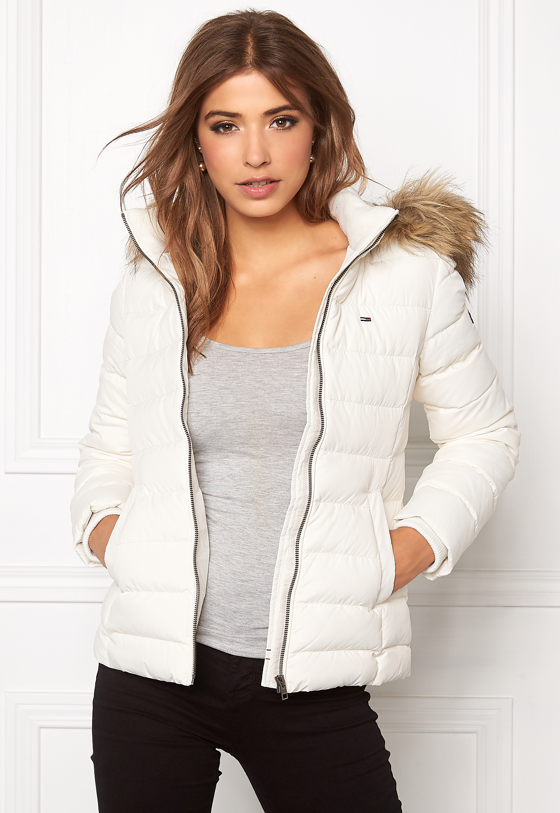 TOMMY JEANS Basic Down Jacket 003 Egret - Bubbleroom c3443dd1bc